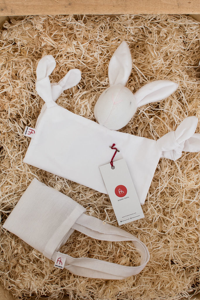 Foto de Conejo de apego  para bebé