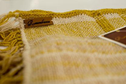 Foto de Manta lana de oveja con tintes naturales