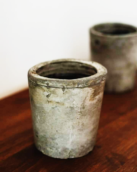 Foto de Maceta de cemento cilíndrica